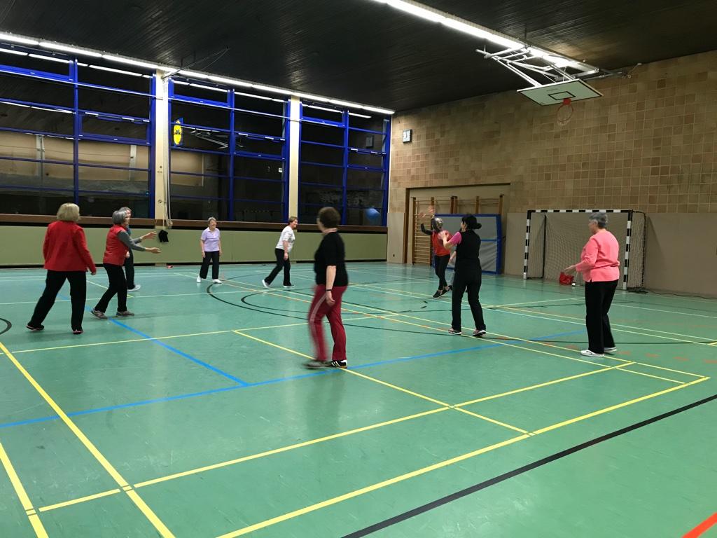 Bewegung und Koordination bei der Frauengymnastik