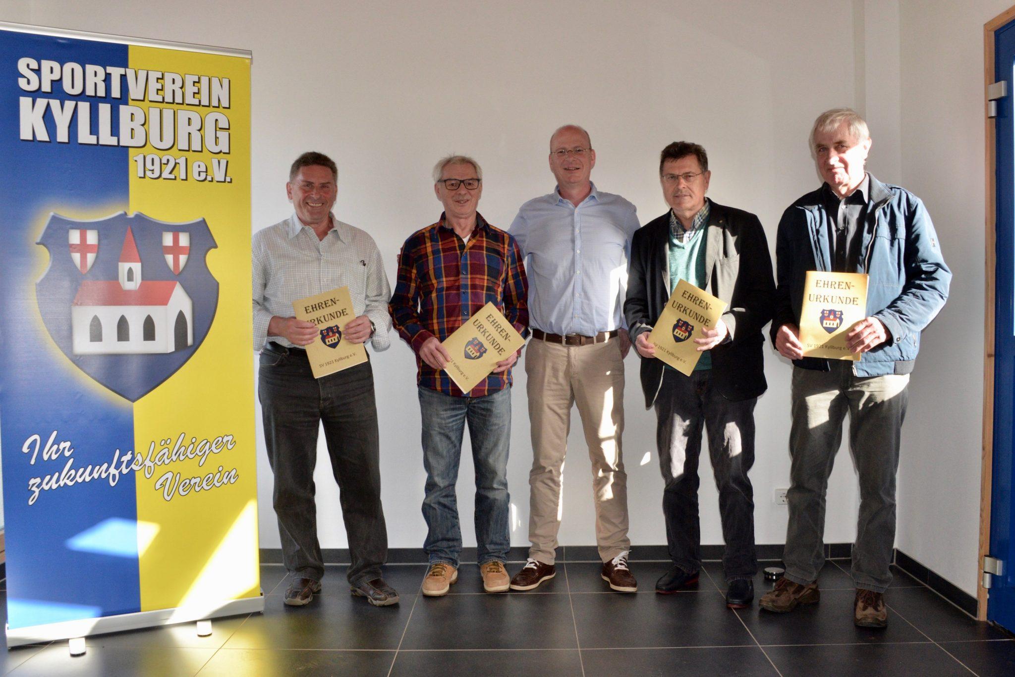 4 Säulen des SVK erhalten Ehrenmitgliedschaft!