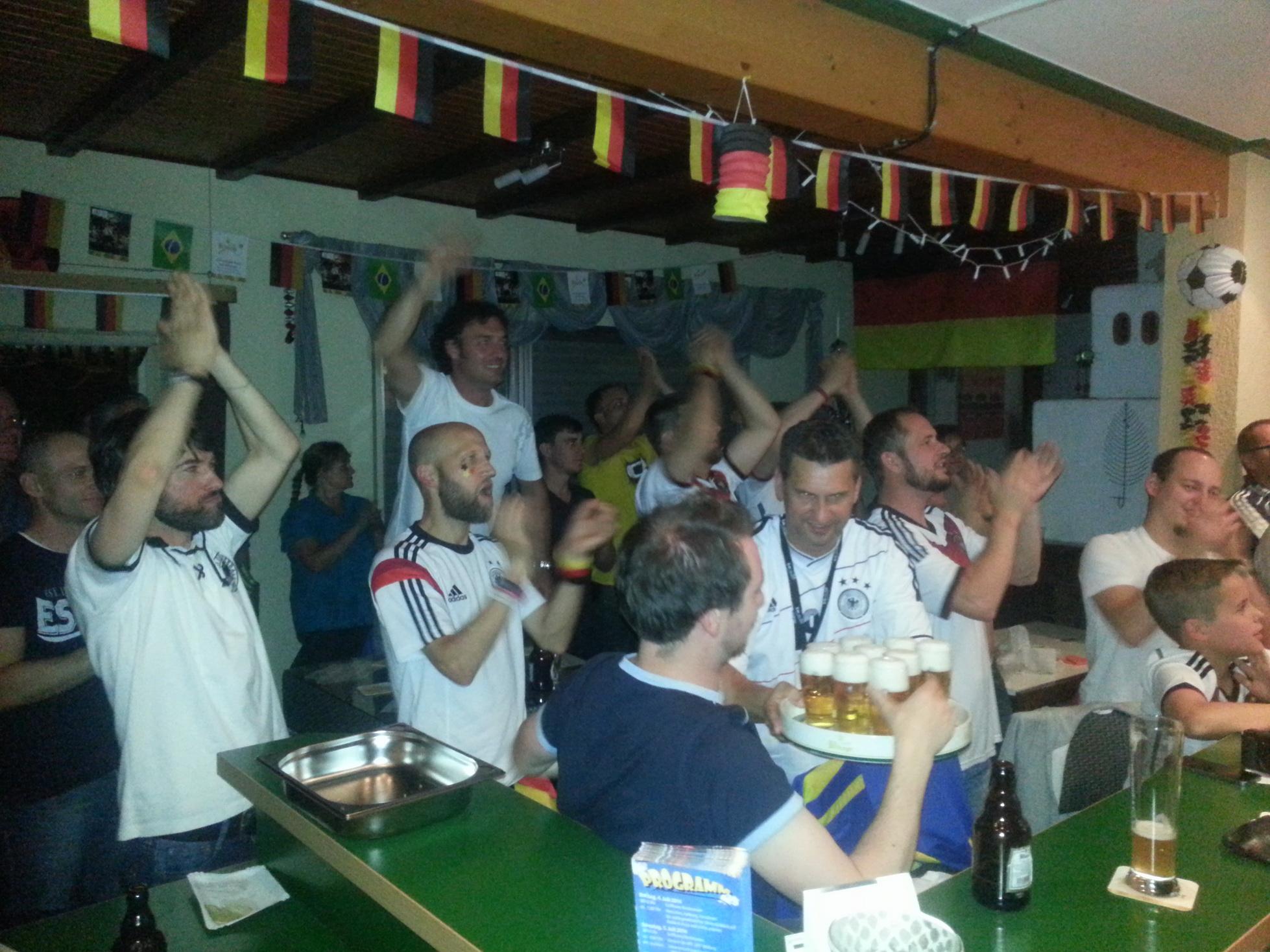 Pure Emotionen beim WM-Finale im Vereinsheim
