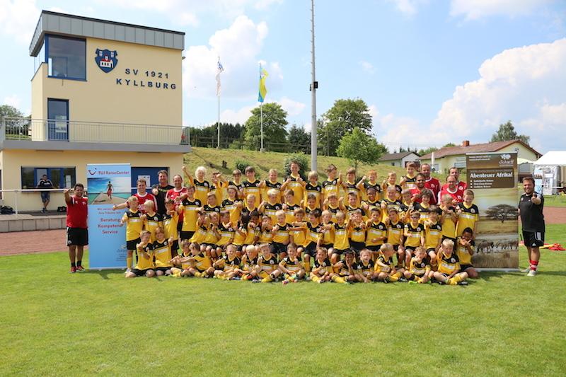 Bilder vom Ratinho Fußball Camp nun im Fotoarchiv