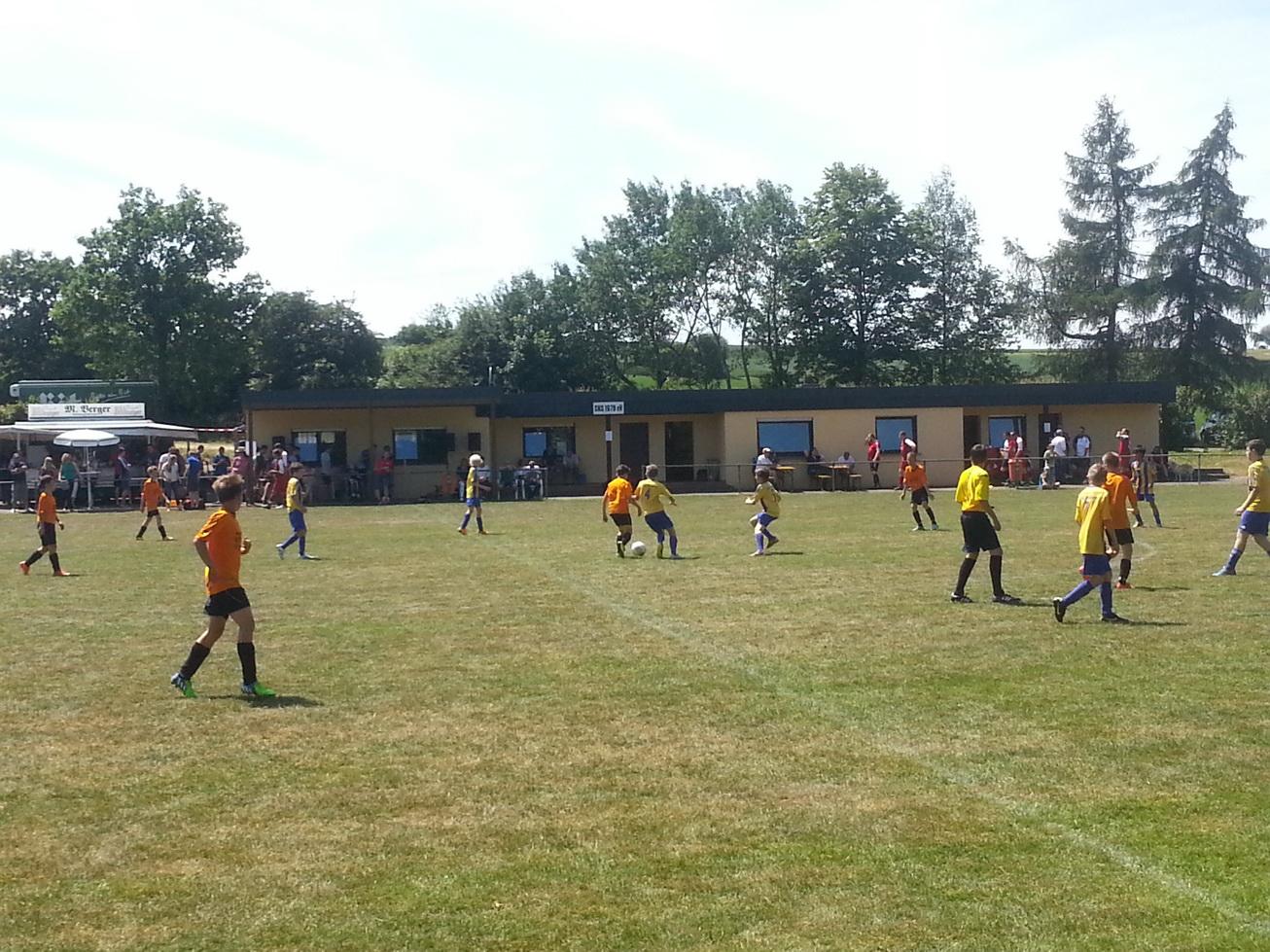 D1: Sieg zum Sportfest ins Seinsfeld