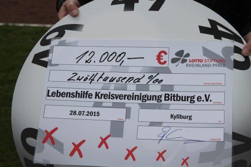 Lebenshilfe Bitburg e.V. bedankt sich bezüglich Fußball-Benefizspiel