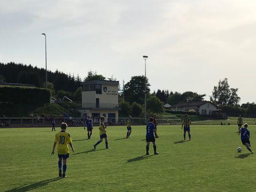 C1: Heimsieg gegen Tabellenführer !
