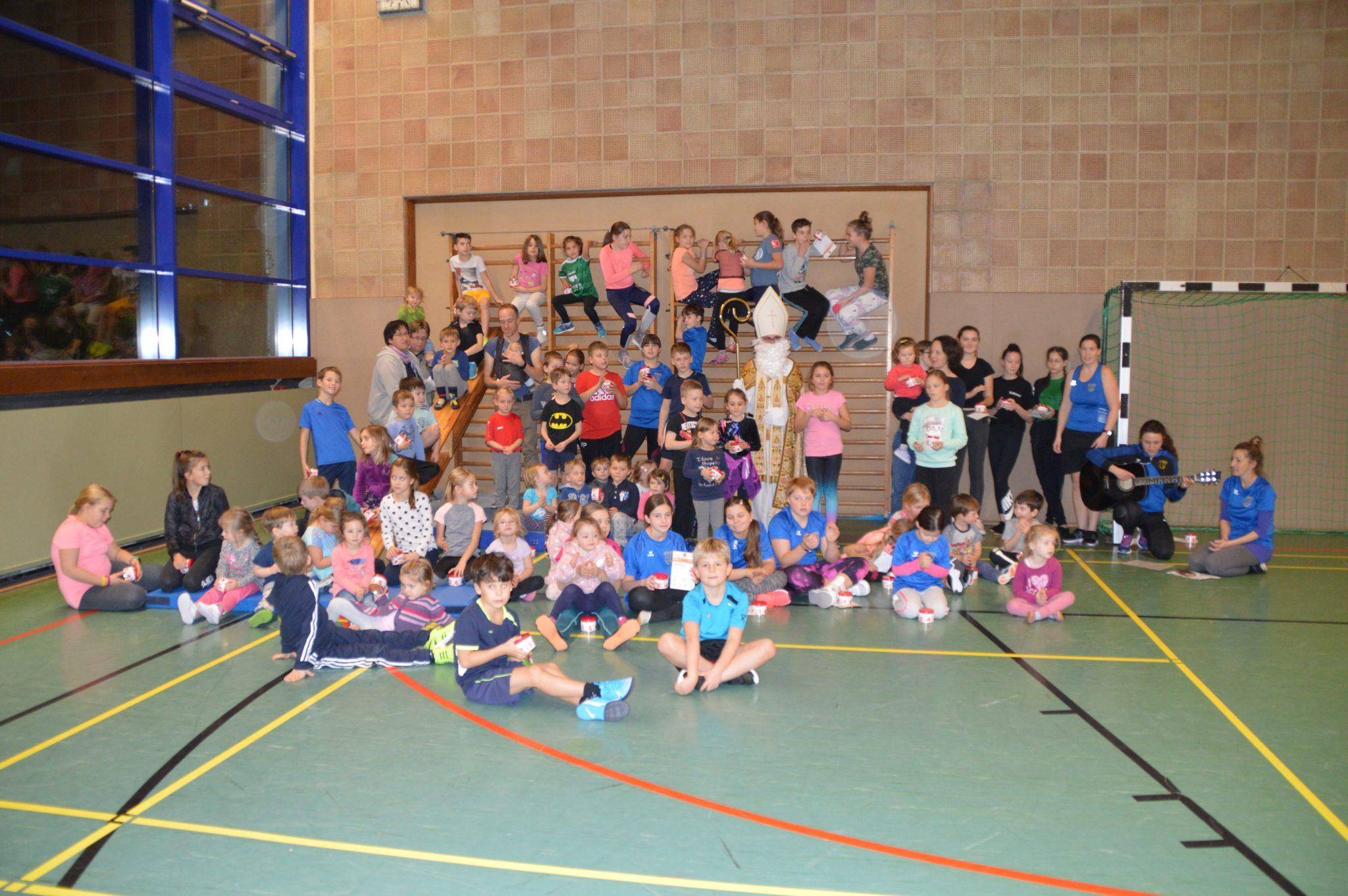 Nikolaus besucht Kinder der SVK – Turn- und Leichtathletikabteilung