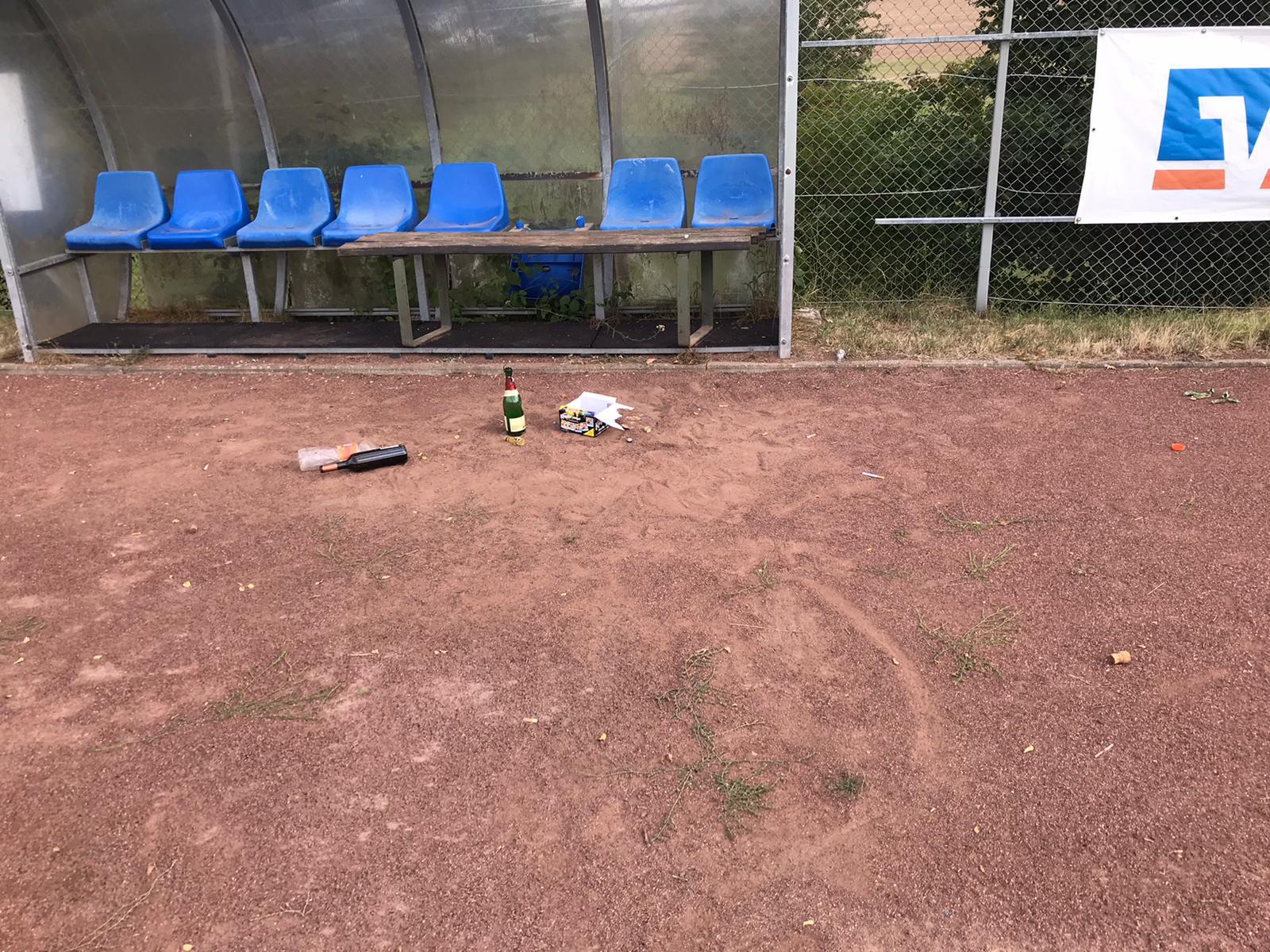 Vandalismus am Sportplatz wird zur Anzeige gebracht, es sei denn ….
