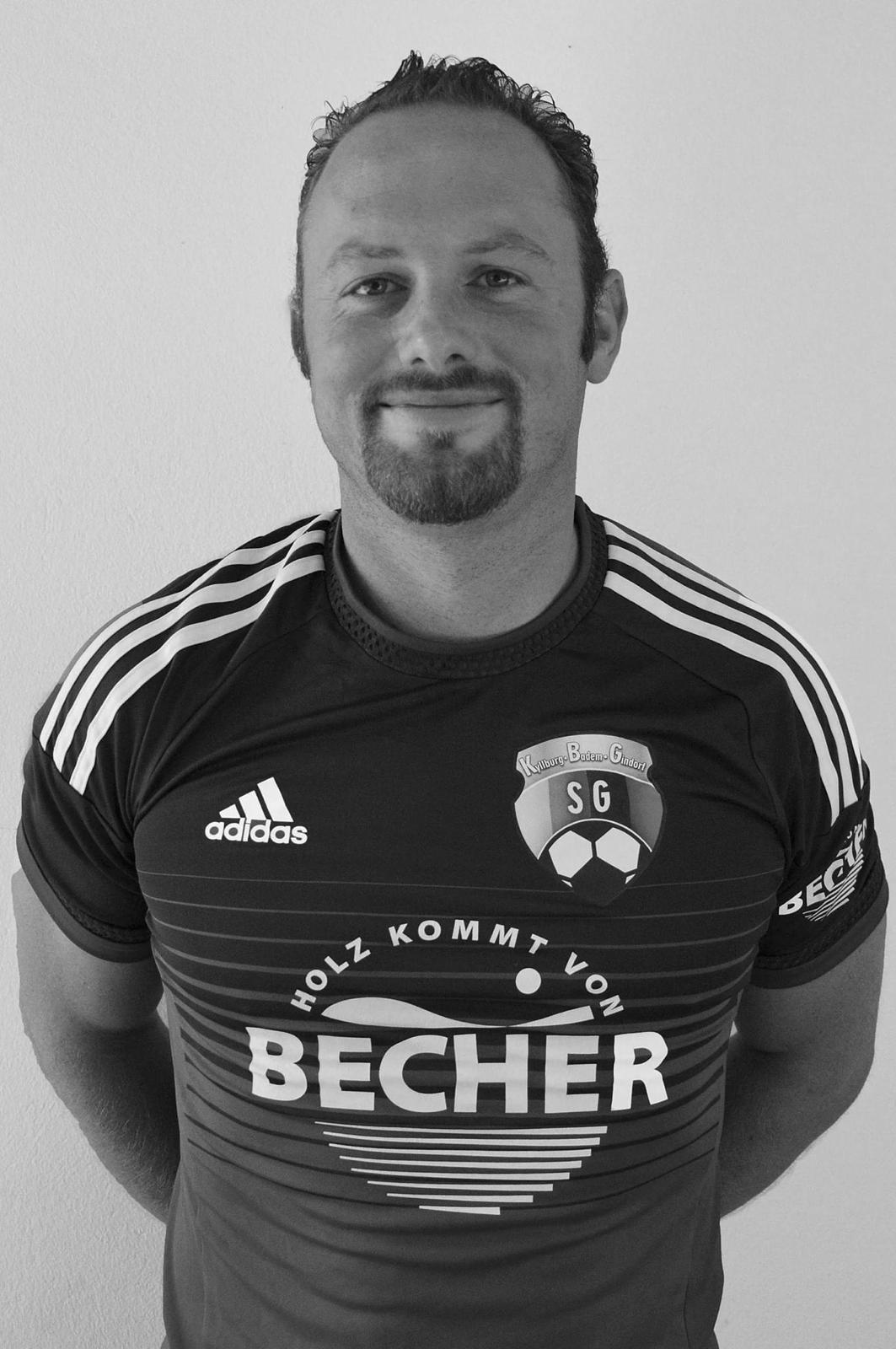 Trauer um Fußballkameraden Michael Simmer !
